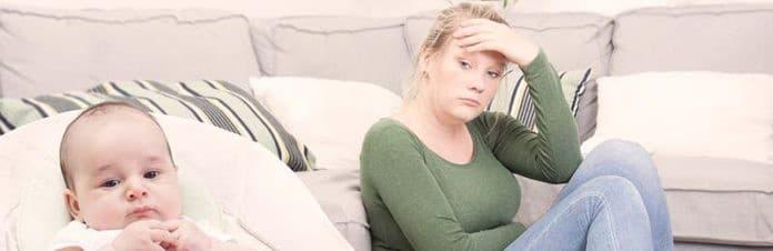 moeder met postnatale depressie